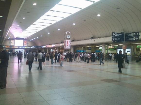 川崎駅構内