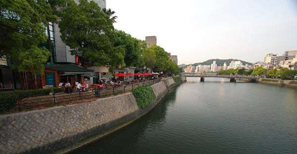 京橋川オープンカフェ