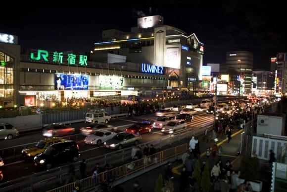 新宿駅・夜